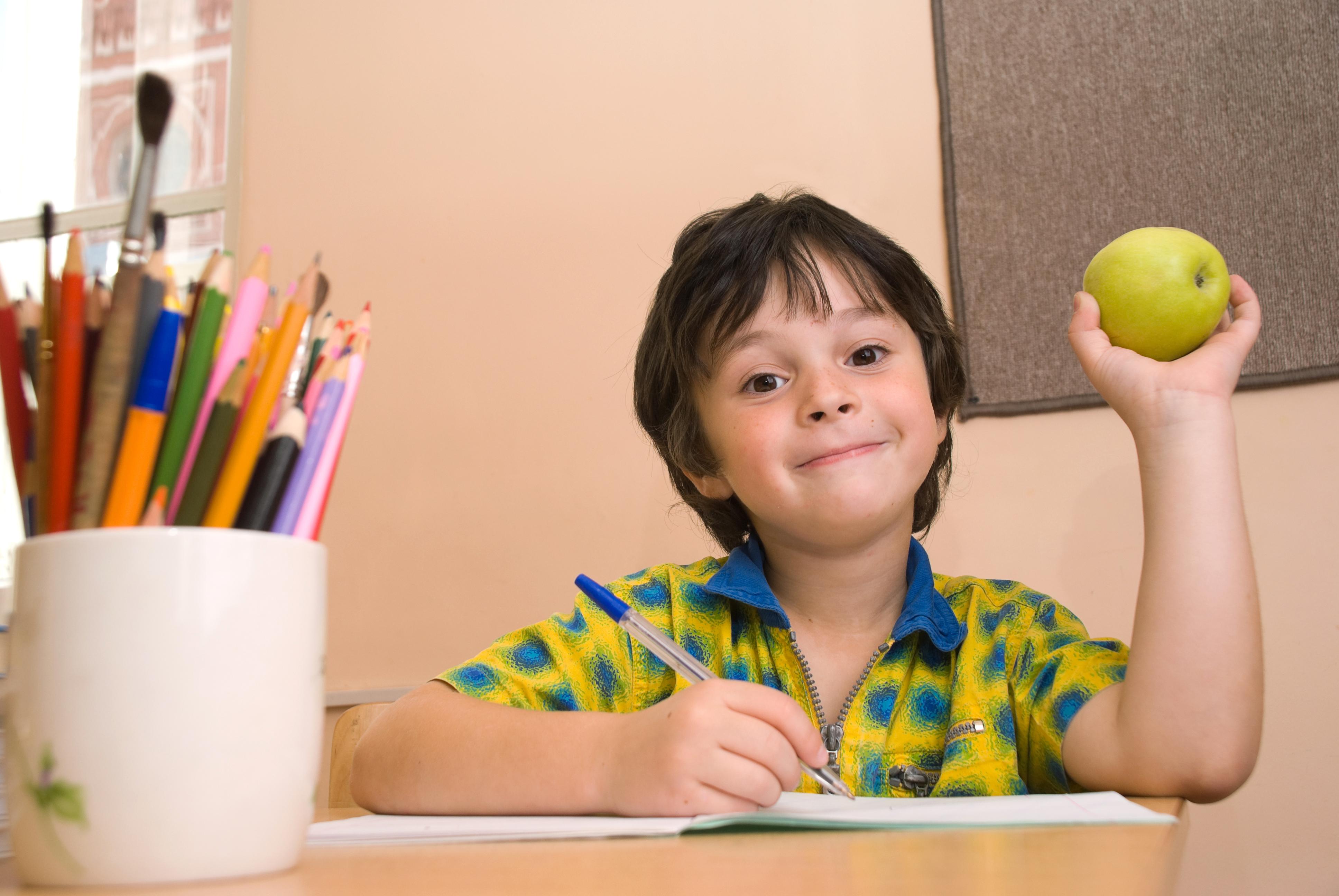Ett klistermärke med en känd barnprogramskaraktär gjorde att 65% fler valde att ta ett äpple.