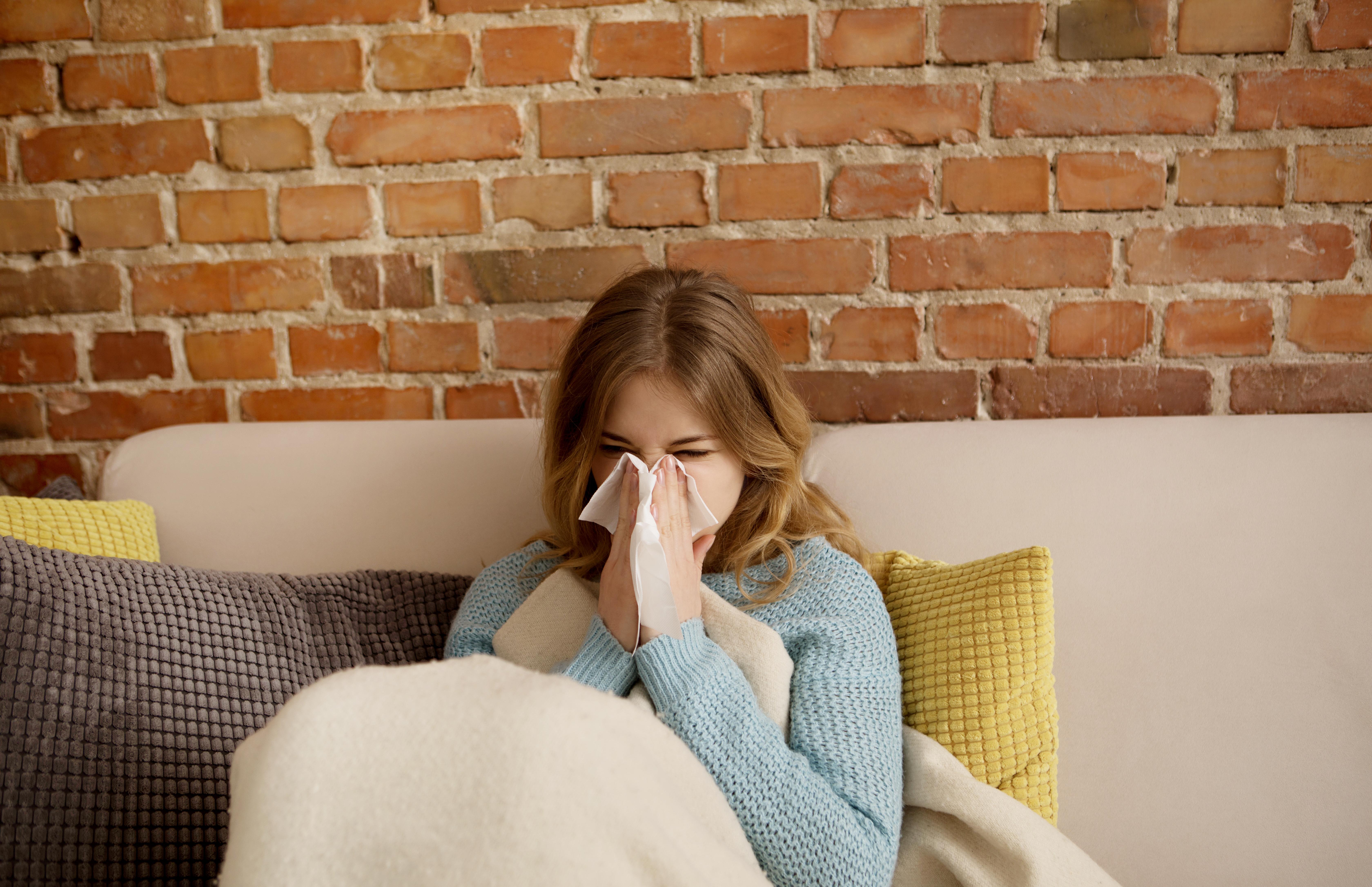 Folkhälsomyndigheten rekommenderar dig som tillhör en riskgrupp att vaccinera dig mot influensa. Det gäller både vuxna och barn.