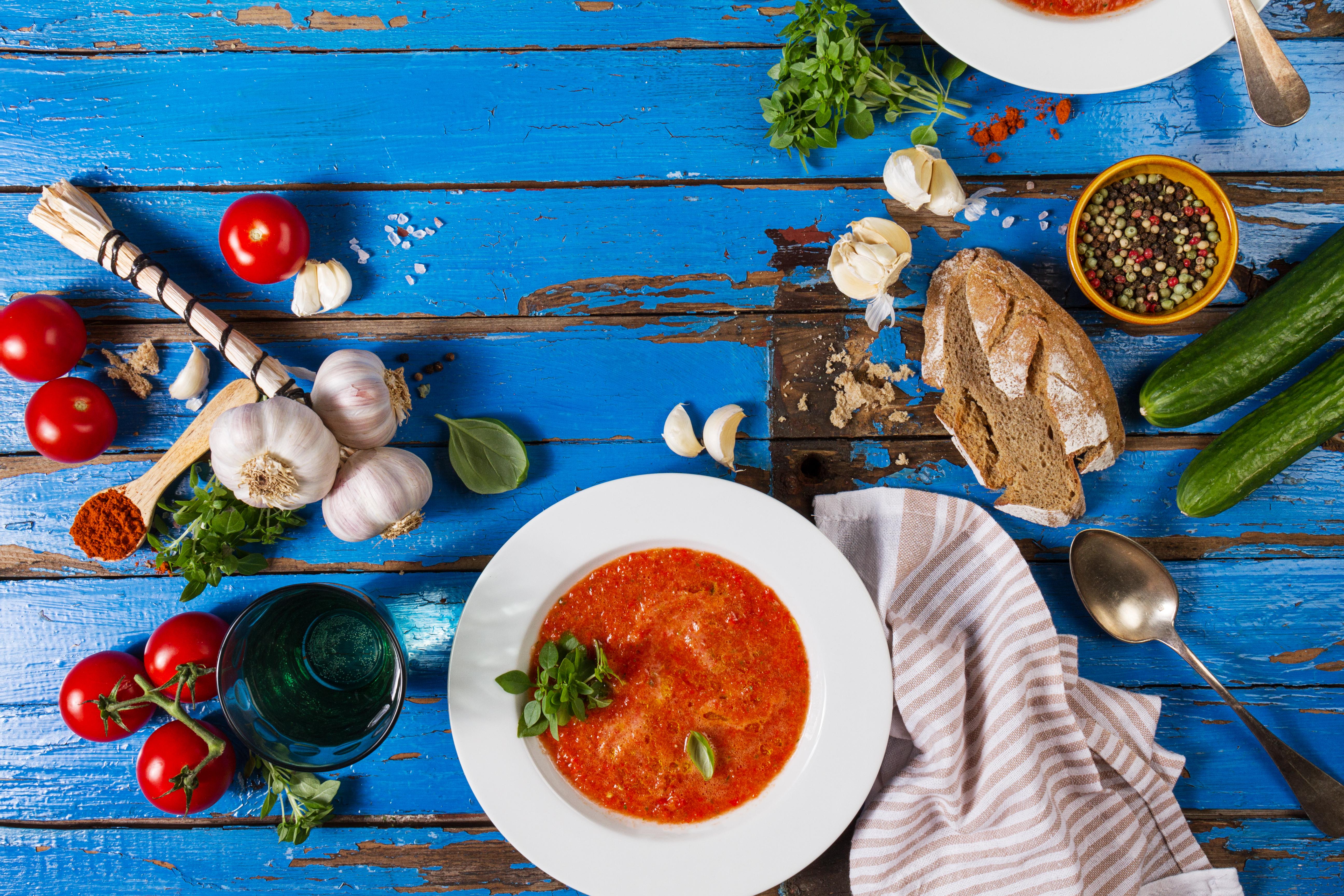 shutterstock_662076118 veckans recept mat och hitta fler matrecept gazpacho matlycka happy food soppa.jpg