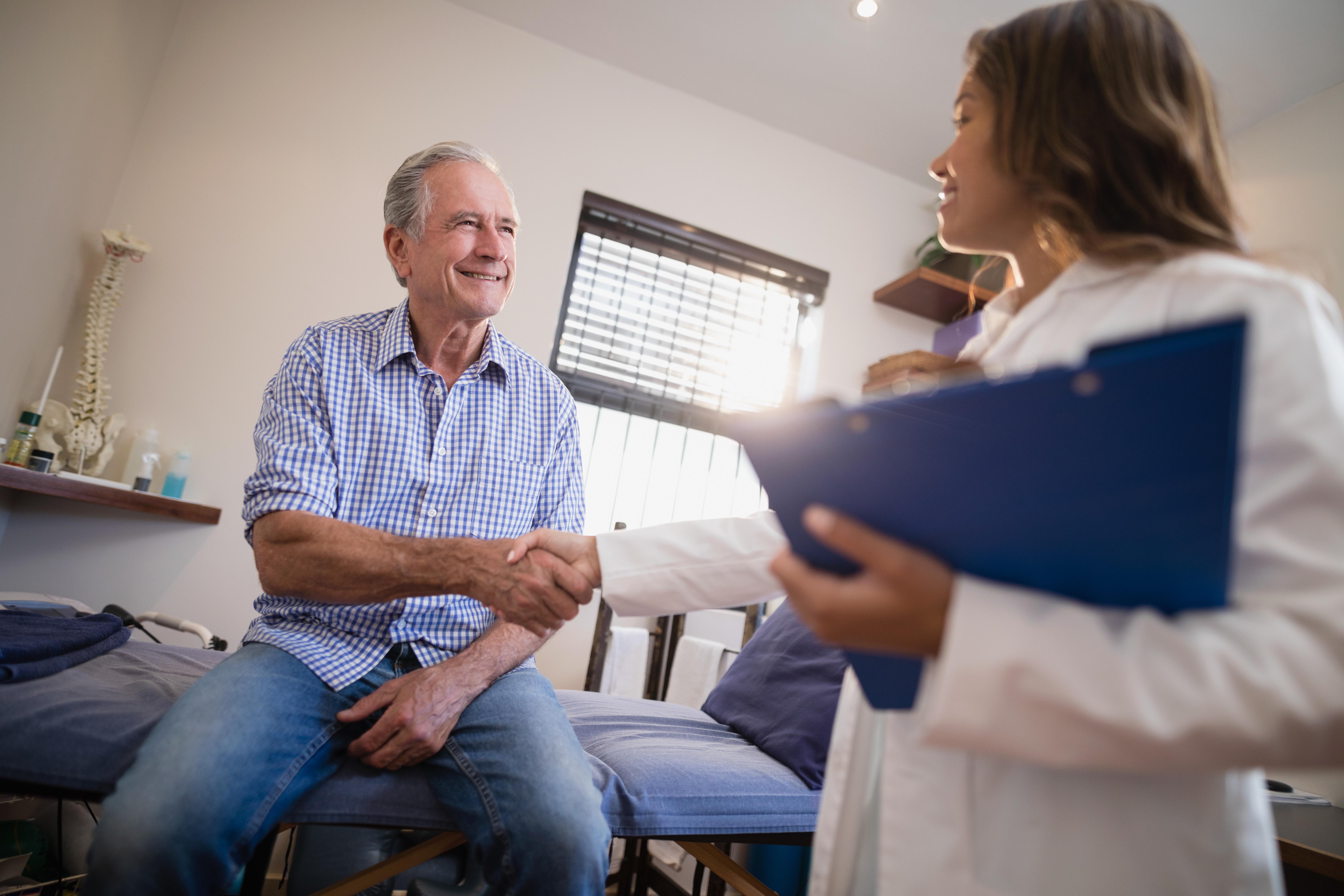 Hur länge man får vänta på vård skiljer sig mycket åt inom de olika vårdområdena.