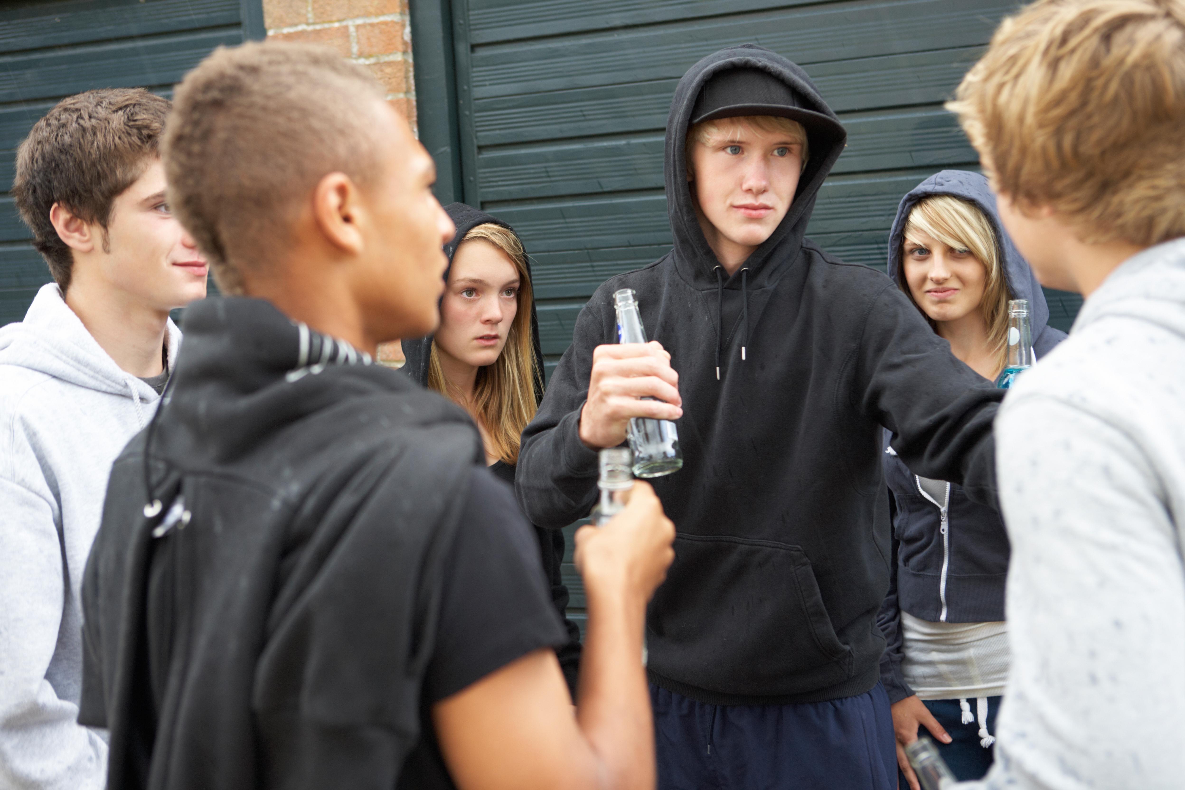 Inte sällan får Bris frågor från ungdomar om hur man hanterar grupptrycket och säger nej till alkohol utan att hamna utanför.