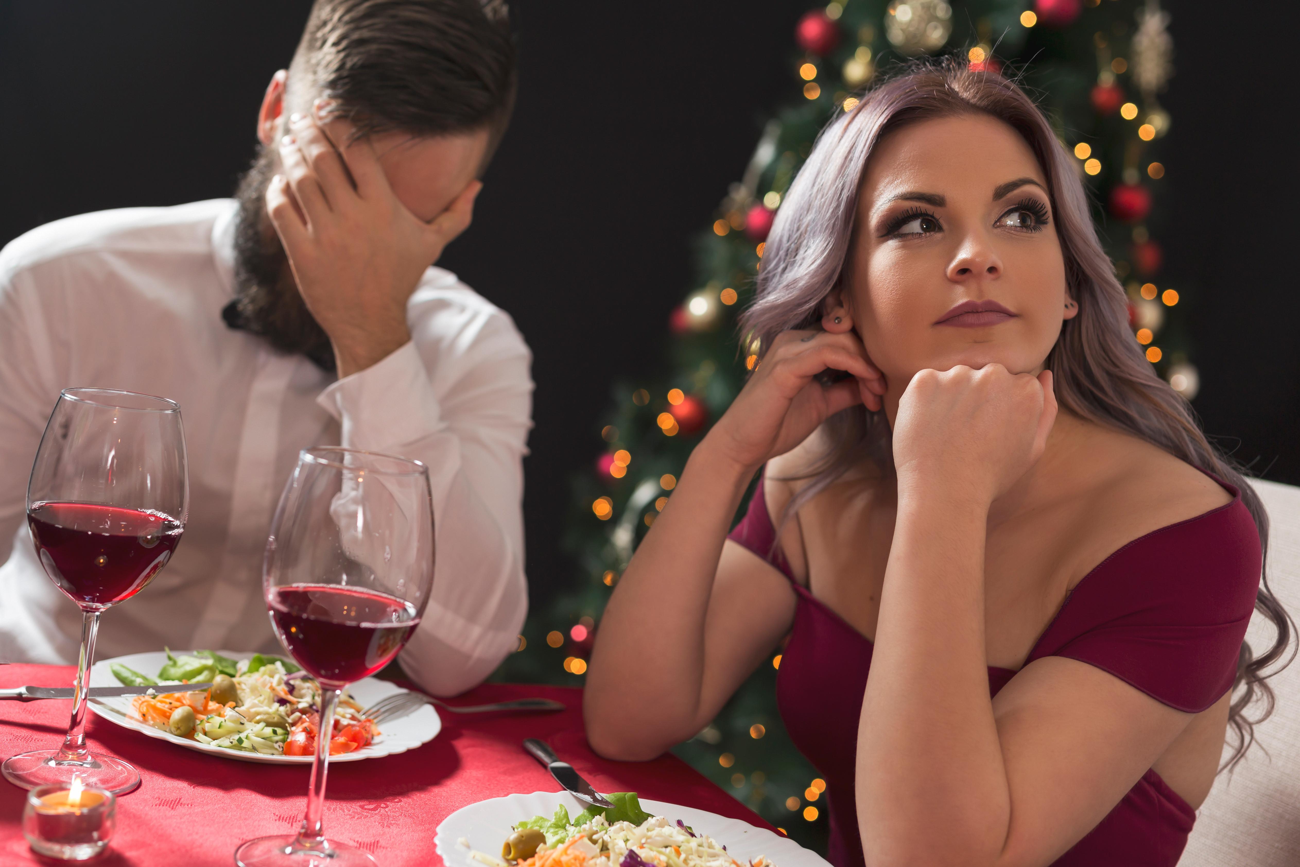 Undersökningen visar att 8 av 10 inte tycker att det är viktigt att det serveras alkohol i samband med julbord med familjen/släkten.