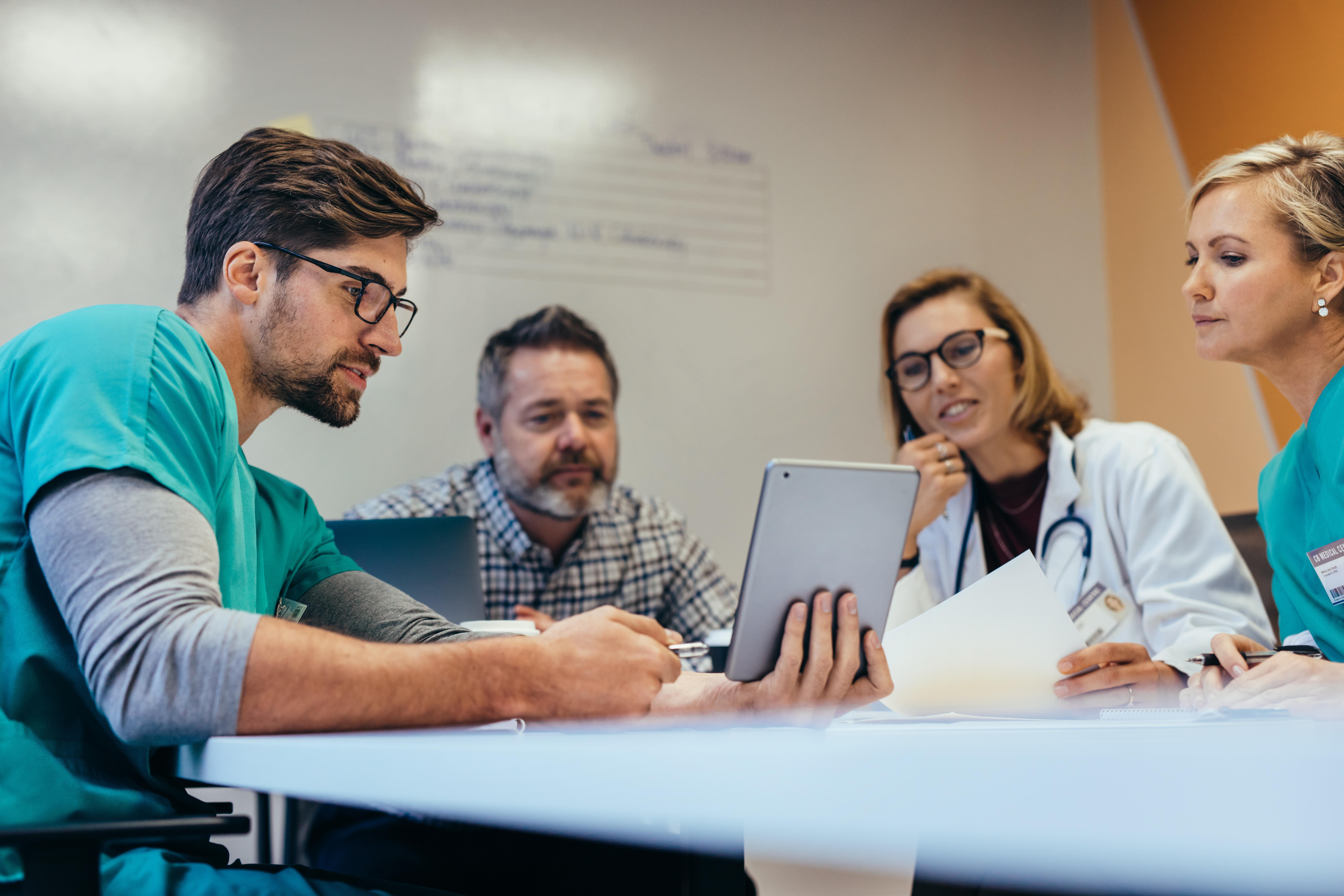 I rapporten pekar Cancerfonden ut ett antal områden, som digitalisering, för en primärvård med bättre möjligheter att upptäcka cancer tidigare.