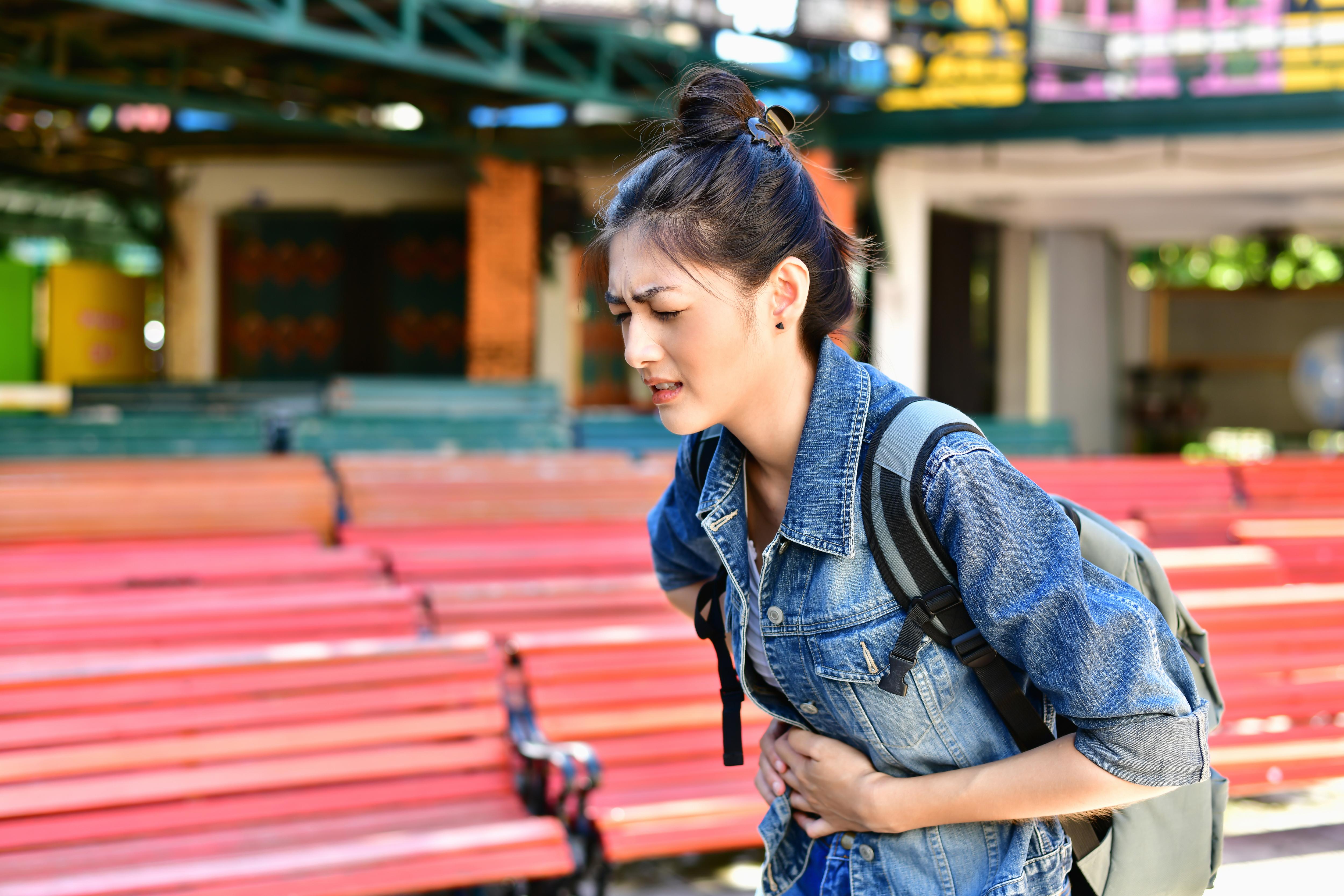 Den vanligaste orsaken till semestermage eller turistdiarré är bakterier av olika slag som sprids mellan människor.