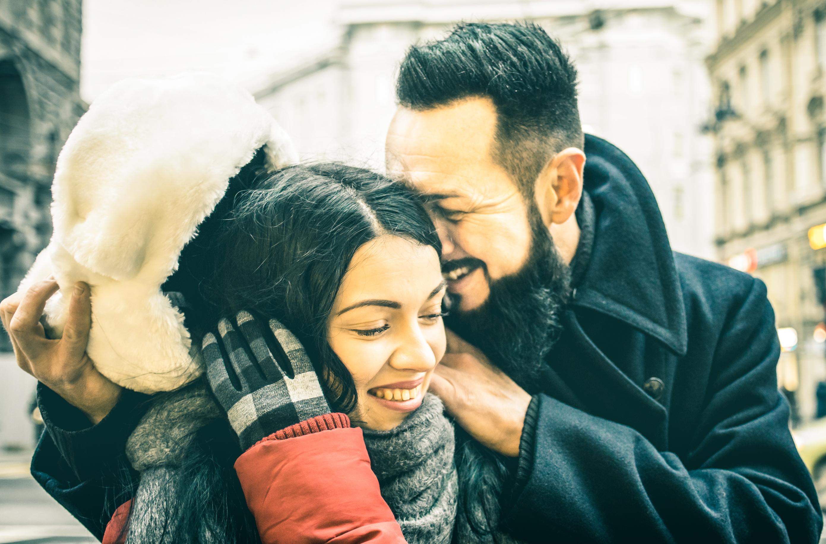 Att vara fysiskt nära sin partner har en lugnande effekt och då är även lukten en viktig komponent.