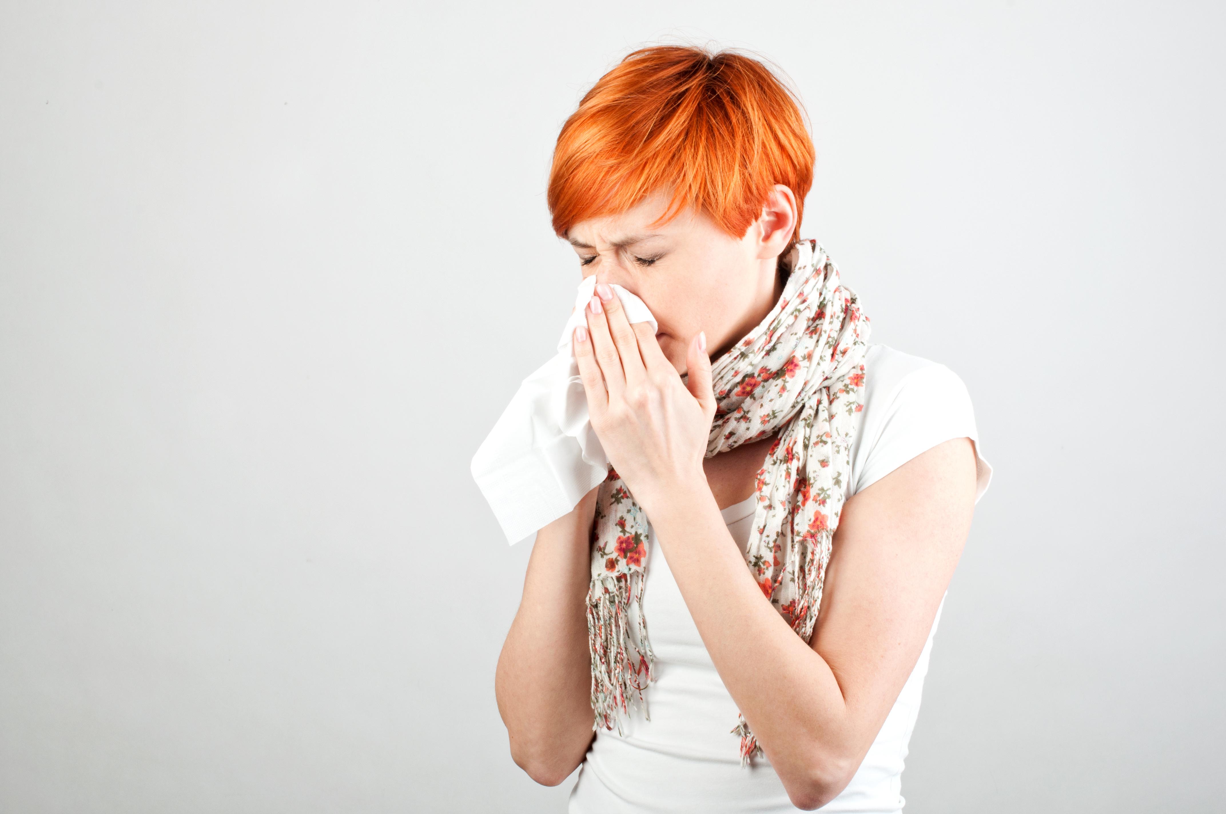 Att du börjar reagera är ofta ett tecken på att kroppen börjar slå tillbaka snarare än att man precis fick viruset.