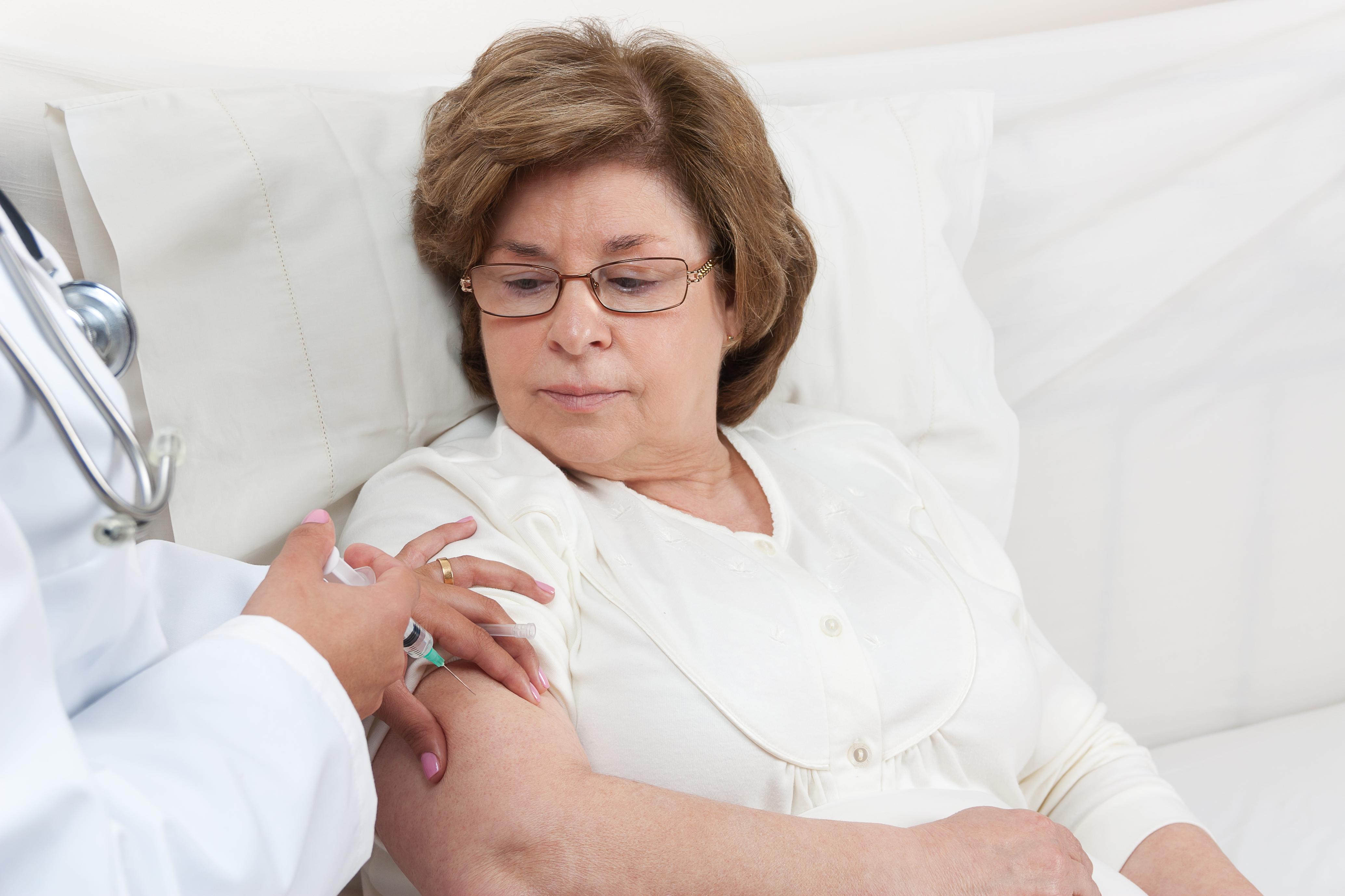 Målgruppen för vaccinet är personer från 50 år och uppåt.