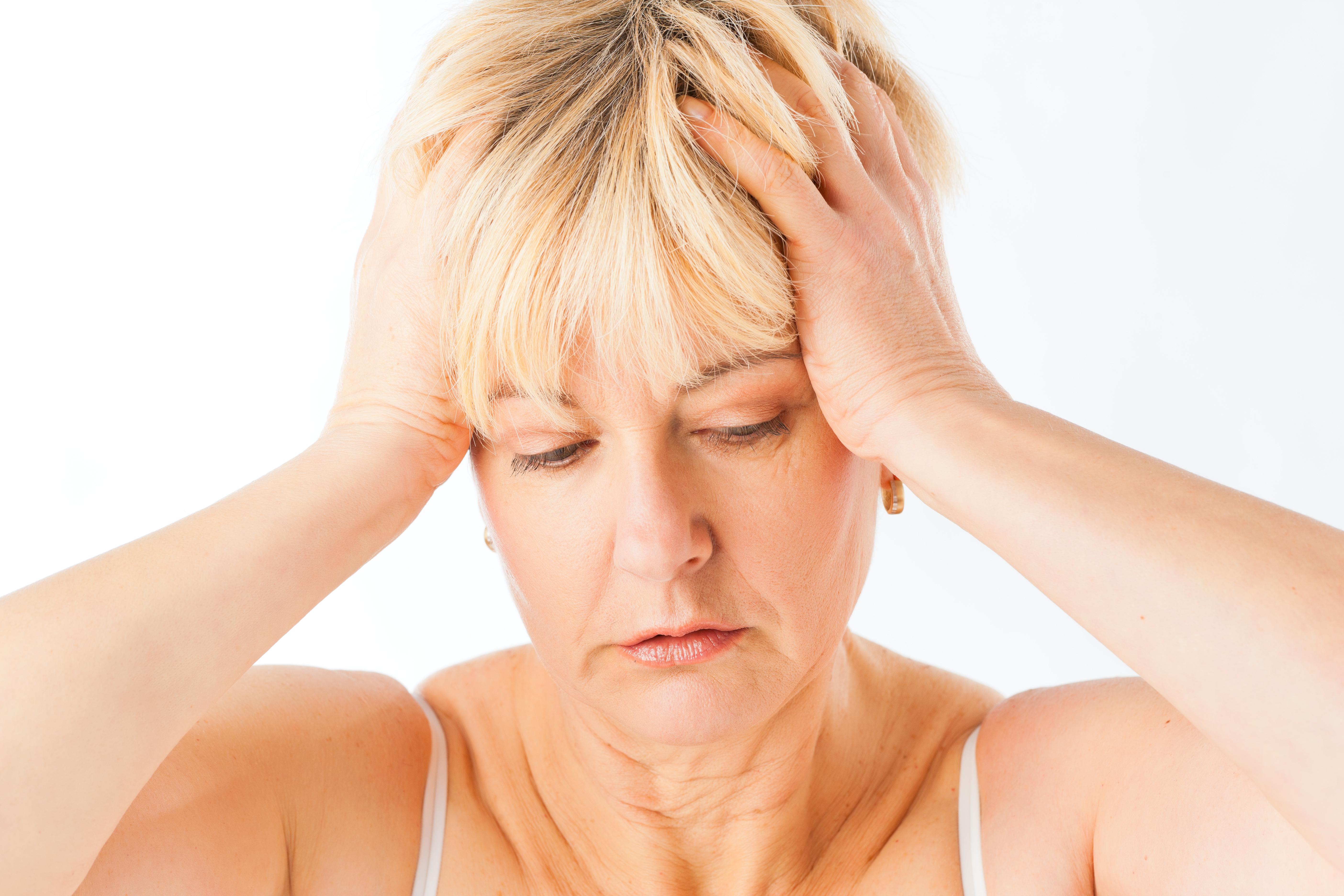 Hjärntumör kan visas sig genom huvudvärk, men det finns även andra tecken på sjukdomen.