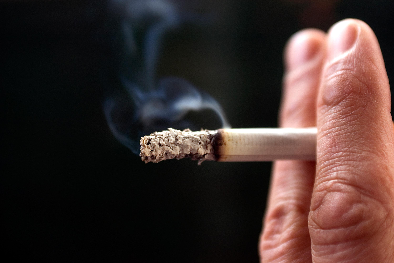 I studien såg man att många av de som röker är skeptiska till att hälso- och sjukvården skulle kunna hjälpa dom att bli av med nikotinberoendet