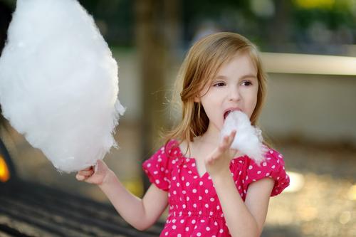 Av den energin svenska barn får av maten kommer 22 procent från socker.