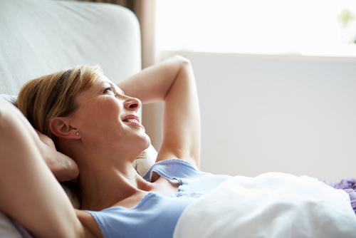 Glidmedel kan ge dig ett bättre samliv så finns det ingenting att skämmas för, tänk på glidmedlet som ett hjälpmedel som kan göra ditt liv extra skönt.