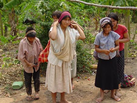Motion är en anledning till god hjärthälsa, Tsimanefolkets kvinnor går 16 000 steg om dagen, männen 17 000 steg.