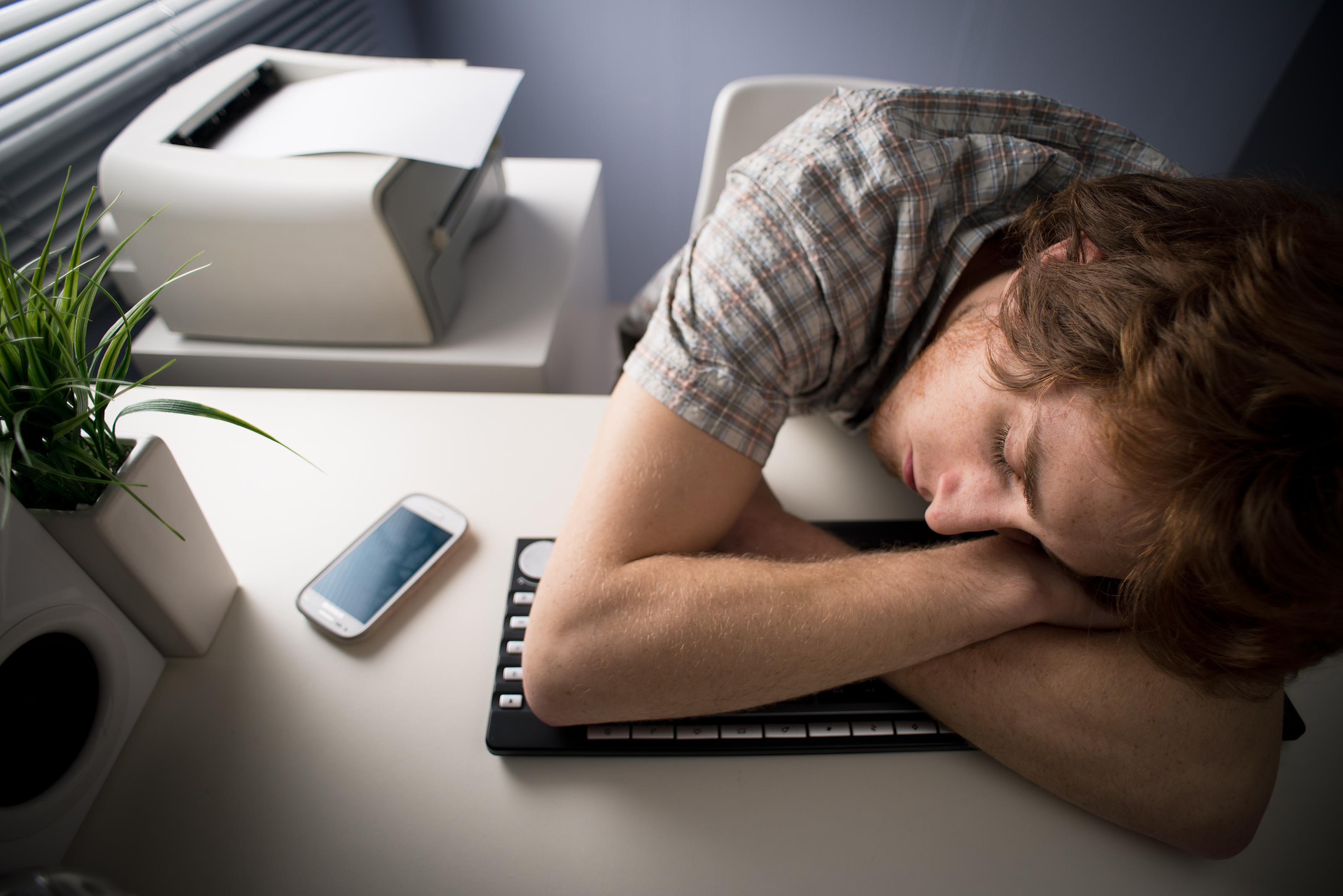 Stora företag som Google och Apple tillåter tupplur på jobbet för att öka sina anställdas produktivitet.