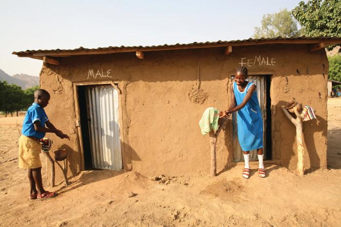 Tyvärr är tillgången till toalett ett privilegium som mer än 2,3 miljarder människor i världen saknar. Foto: WaterAid/Suzanne Porter
